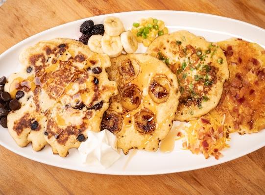Pancakes de sabores: tocineta, frutas, queso y más