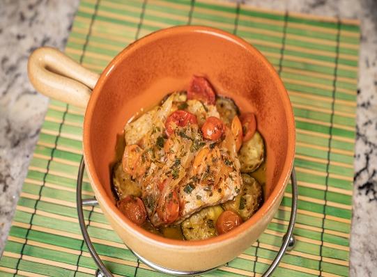 Pescado saludable al horno con aceite de oliva Fígaro